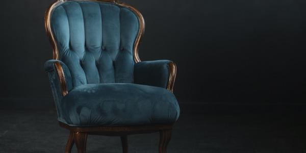Jak samodzielnie odnowić fotel? Przewodnik tapicerski