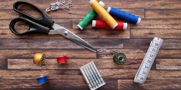 Nożyczki krawieckie a uniwersalne - poznaj różnice
