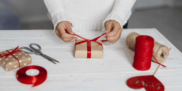 Zestaw narzędzi tapicerskich jako oryginalny prezent świąteczny